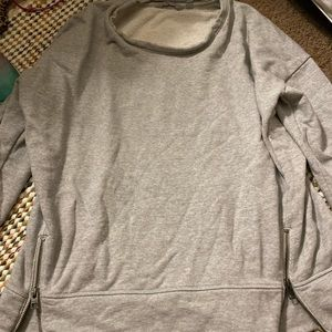 NEW ATHLETA. SWEATSHIRT